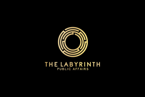 Md labyrinth guld med svart bakgrund  002